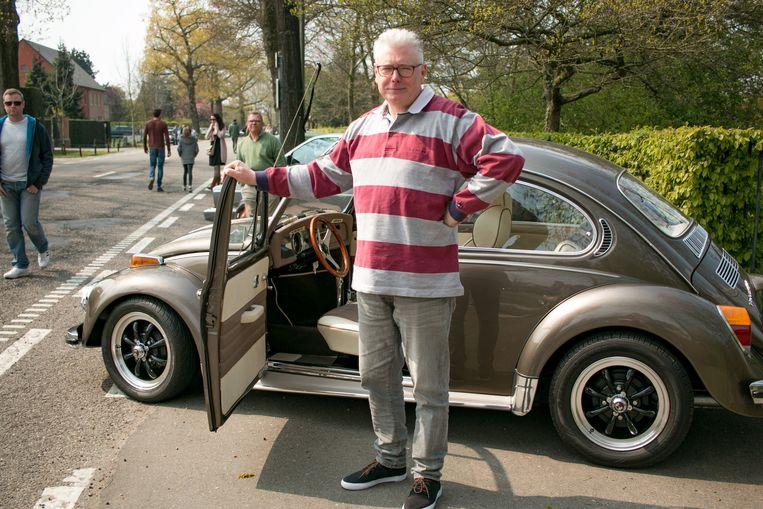 Peter Formesyn uit Belsele met zijn VW Kever uit 1981.