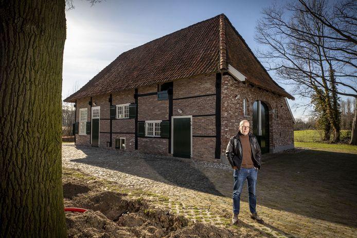 Herman Hullegie is apetrots op het herbouwde spookhuis, dat hij een mooie aanvulling op het openluchttheater noemt