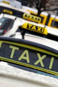 Asociale taxi's per direct uit stad mijden