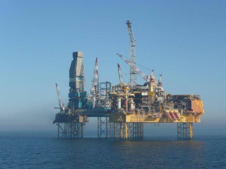 Boorplatform voor de kust van Aberdeen. Beeld BELGAIMAGE
