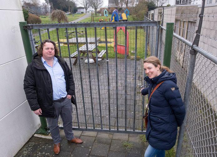 Niels van Rijswijk en Naomi de Keijzer gooien het bijltje er bij neer. Ze trekken zich, met twee andere buurtbewoners, terug als initiatiefnemers voor een doorstart van speeltuin Oude Stad.