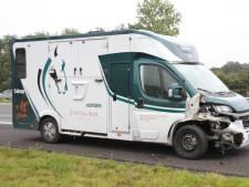 Ongeval met Spaanse paardentrailer op A1 bij Holten