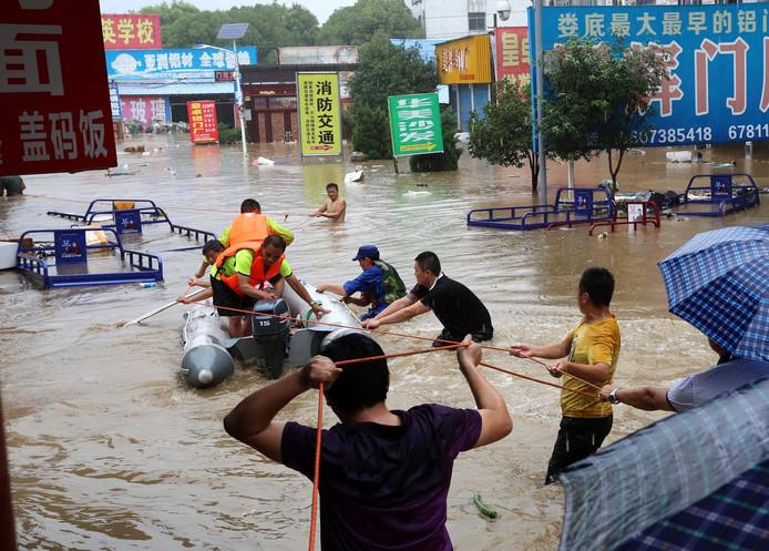 Onder meer door overstromingen in Hunan liep de vuurwerkproductie in China vertraging op.