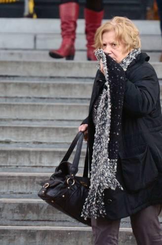 """Een rist oude mannen stierf in haar naaste omgeving, maar toch zit de 'zwarte weduwe' in de cel voor slechts één moord: """"Zelfs op haar 83ste is ze een gevaar voor de maatschappij"""""""