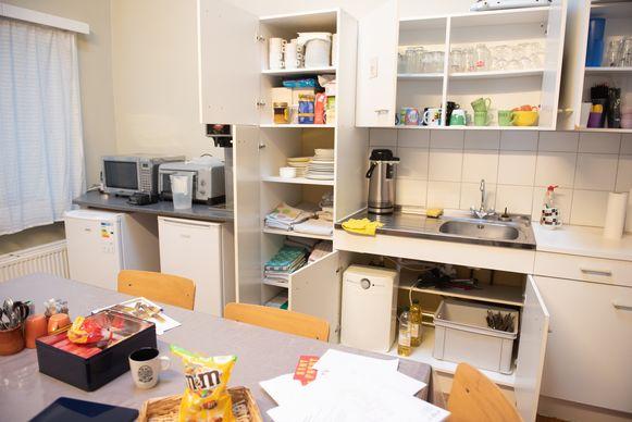 In de Vrije Basisschool 2geltje in Horebeke is ook de leraarskamer helemaal doorzocht.