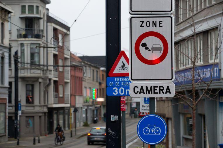 Een LEZ-bord in Gent. Beeld BELGA