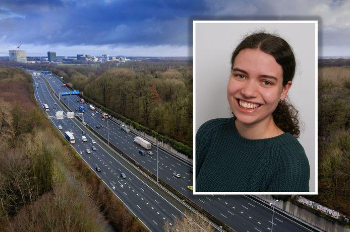 Lianne Suurenbroek (23) loopt donderdag voorop bij het protest tegen de verbreding van de A27/A12 en de kap van achthonderd bomen in Amelisweerd.