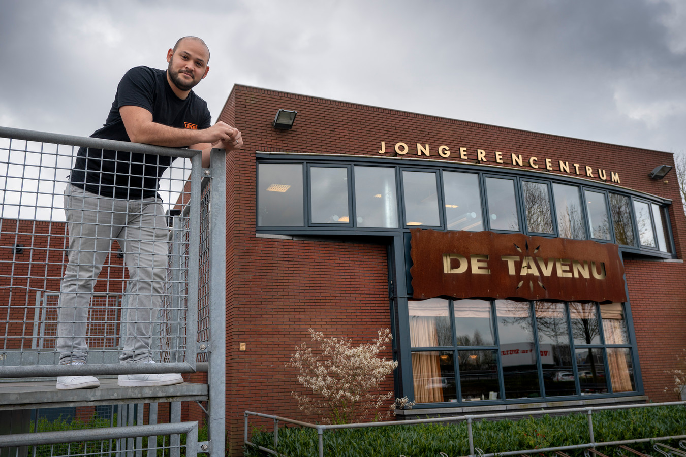 Jongerencentrum De Tavenu en de gemeente zijn in overleg over de toekomst van het jongerenwerk in Waalwijk.