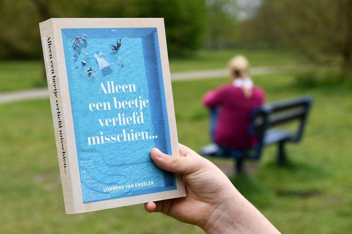 Lonneke van Engelen beschrijft haar stukgelopen huwelijk en nieuwe relatie in haar debuutroman.