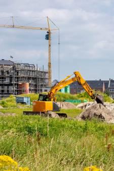 Woningbouw vertraagd door gebrek aan personeel, en dus gaat Gelderland meer en sneller ambtenaren opleiden