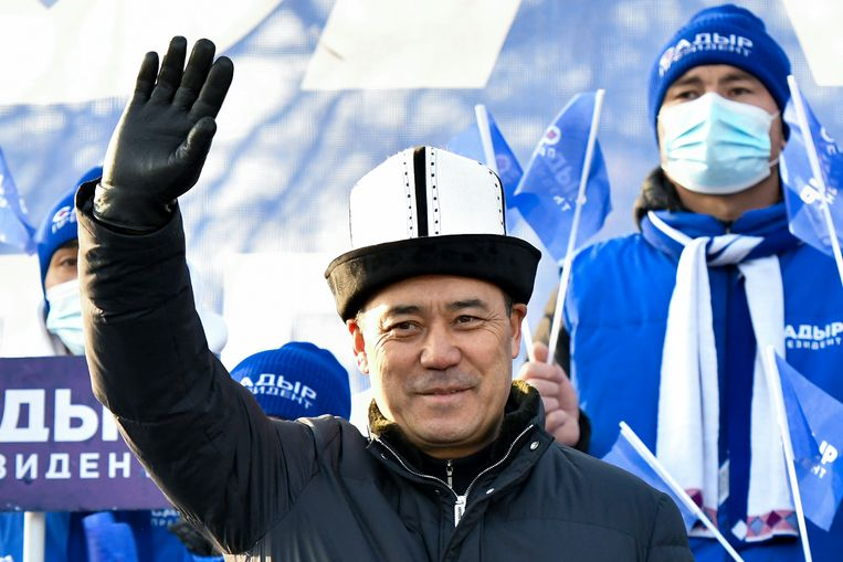 Van gevangene tot president: Sadyr Zjaparov bokste het in Kirgizië in minder dan vier maanden voor elkaar. Beeld AP