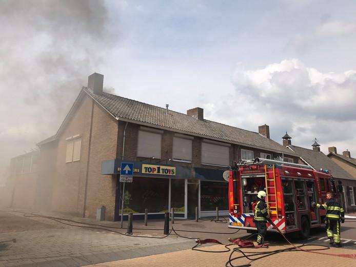 Uitslaande brand bij Top1Toys in Den Dungen