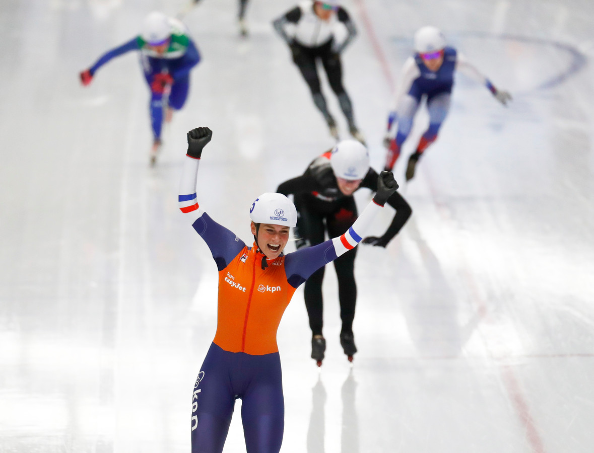 New world champion Netherlands' Irene Schouten celebrates as she crosses the finish line ahead of Canada's Ivanie Blondin during the women's mass start race at the ISU single distance Speedskating World Championships in Inzell, Germany, Sunday, Feb. 10, 2019. (AP Photo/Matthias Schrader)