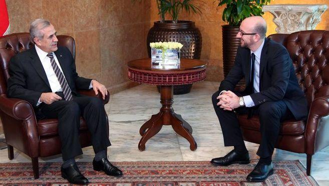 De president van Libanon Michel Suleiman met minister van Ontwikkelingssamenwerking Charles Michel.