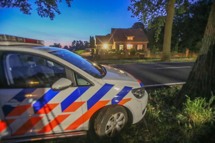 In Liessel is vannacht een overval op een woning aan het Loon gepleegd.