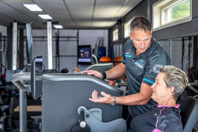 Hans Verbakel in zijn nieuwe sportschool in Beek en Donk