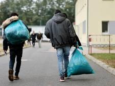 La rue ou l'avion de retour: le choix donné à des mineurs potentiels exilés à Bordeaux