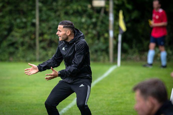 Benjamin Can is bij Achilles Enschede begonnen als zijn eerste klus als hoofdtrainer.