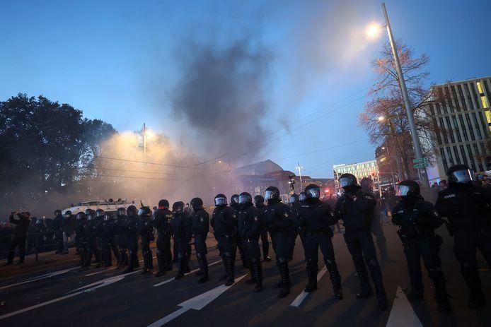 Na de protesten braken rellen uit.