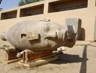 Reuzenstandbeeld van Amenhotep III ontdekt in Egypte