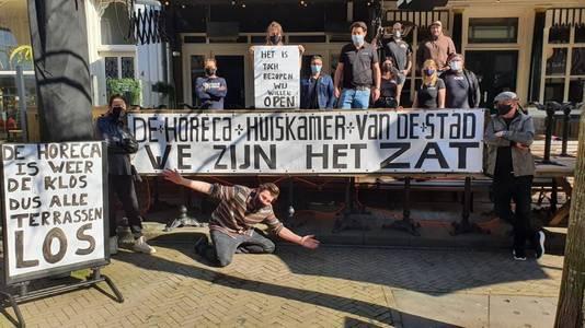 'We zijn het zat', Café Anvers aan de Oude Markt.