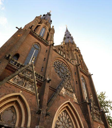Herontwikkel de Catharinakerk en vestig er een deel van het nieuwe stadhuis van Eindhoven in