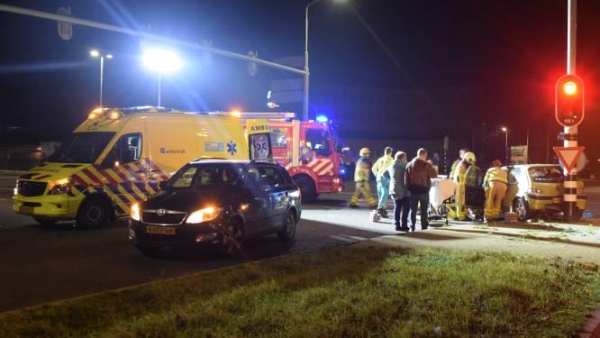 Man veroorzaakt al bellend ernstig ongeval in Doetinchem, ex-vriendin krijgt kunstheup: OM eist werkstraf en rijontzegging
