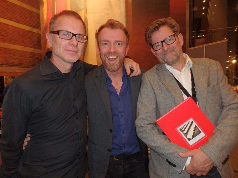 Copywriter André Dammers, creative director Joris van Elk (ADCN) en fotograaf-docent Bert Teunissen (vlnr), medesamenstellers van het ADCN-jaarboek Beeld Schuim
