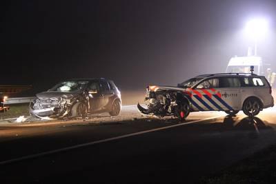 spookrijdende-verdachten-klappen-op-politiewagen