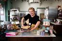 """Margo van Lierop van Sweet Sugar Hill in Klarendal. ,,Je merkt juist in coronatijd dat er extra geld wordt uitgeven aan een goede taart."""""""
