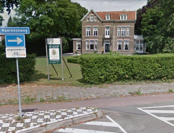 Het pand op de kruising van Haarenseweg en Heusdensebaan is als zorgvilla in beeld.