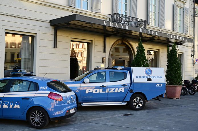 De lichamen van de broers werden gevonden op hun kamer in het Grand Hotel Minerva, in het hartje van de toeristische buurt van Firenze.