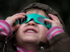 Eclipsbril voor zonsverduistering onvindbaar bij Dordtse opticiens: 'Ik weet van niets'