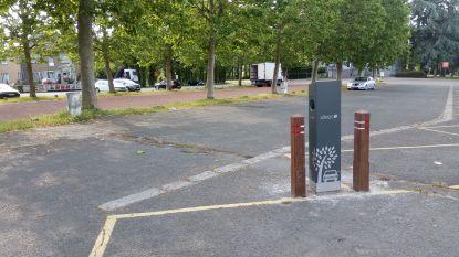 Publieke laadpalen op vijf nieuwe locaties, eind dit jaar telt Ninove er zestien