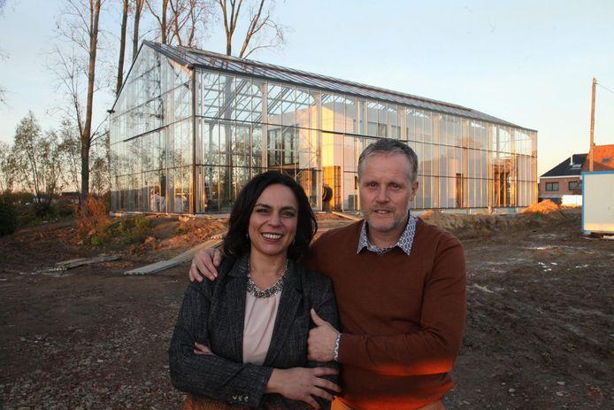 Koen Vandewalle en Samia Wielfaert wonen straks in de eerste autonome kaswoning van het land.