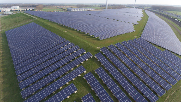 Het beeld van de toekomst? Grote zonneparken.
