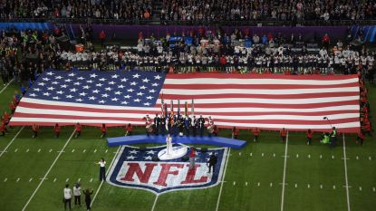 Zieke Pink gooit kauwgom op de grond en trapt 52ste Super Bowl op gang met Amerikaans volkslied