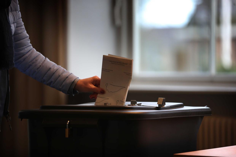 De kiezer beslist, maar laat zich daardoor beïnvloeden door de dag van de week.