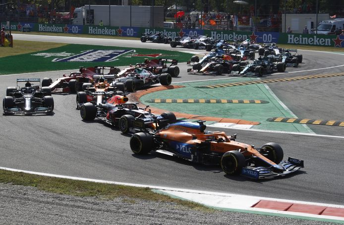 Een beeld uit de race van afgelopen weekeinde, waar Daniel Ricciardo uiteindelijk de Grand Prix van Italië won.