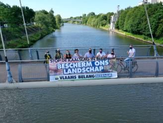 """Vlaams Belang voert actie tegen kaalslag langs kanaal Gent-Oostende: """"Dit moet gestopt worden"""""""