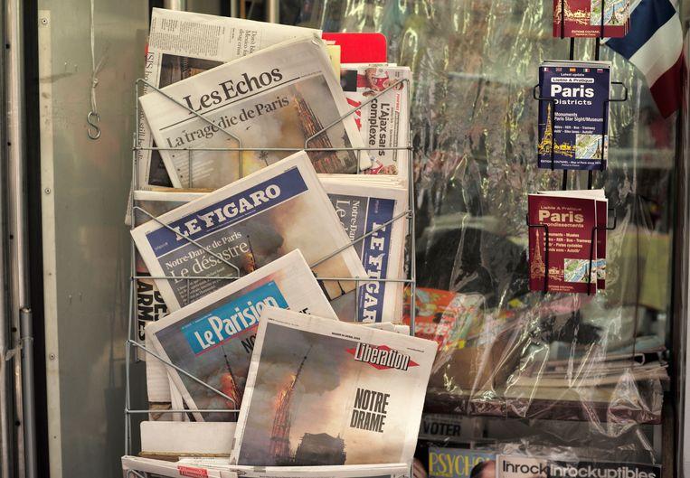 De foto van Geoffroy sierde 's anderendaags de voorpagina van onder andere Libération en Le Figaro.  Ook de Amerikaanse kranten The New York Times en The Wall Street Journal  zetten het beeld op de cover (onder).