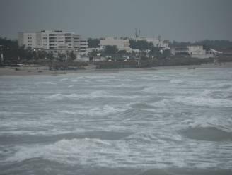 Mexico bereidt zich voor op orkaan Katia, José opgewaardeerd
