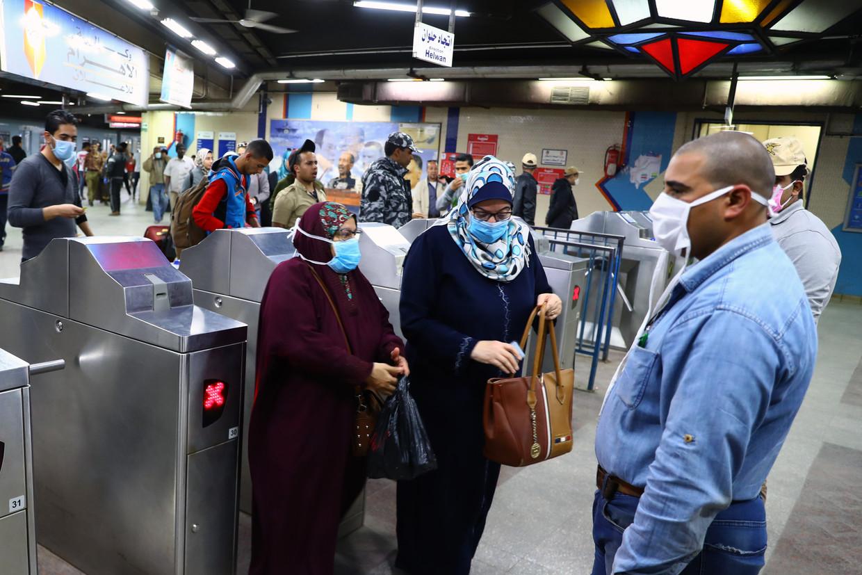 In Caïro nemen dagelijks 3,5 miljoen mensen de metro. Over vier jaar moeten dat er 6 miljoen zijn.   Beeld BELGAIMAGE