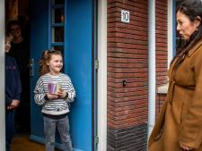 Juf Rosanne gaat op stoepbezoek: 'Mijn juffenhart is blij dat ze weer naar school komen (maar ik maak me ook zorgen)'