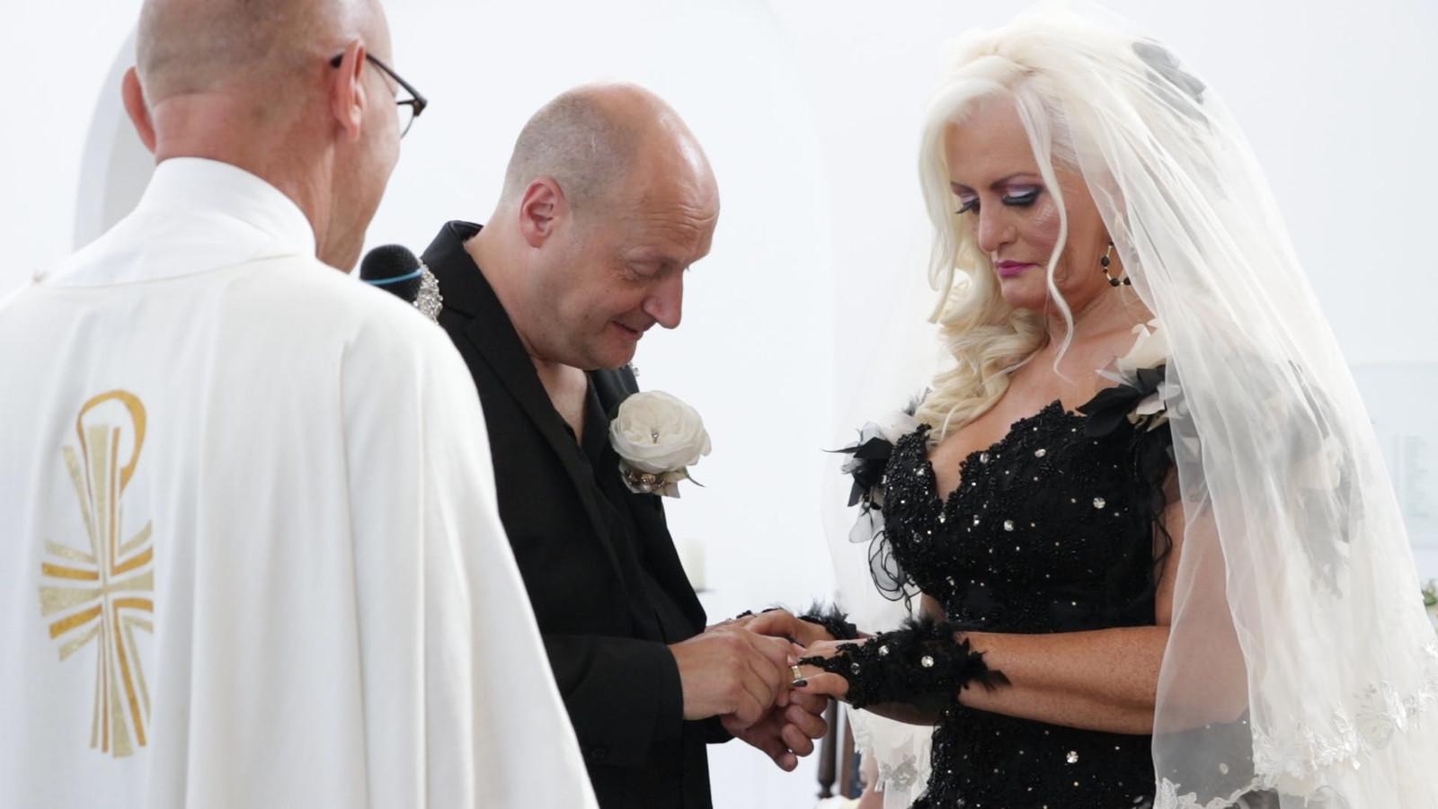 Transgender Jo-enny is op vrijdag 30 augustus getrouwd met haar Ad.