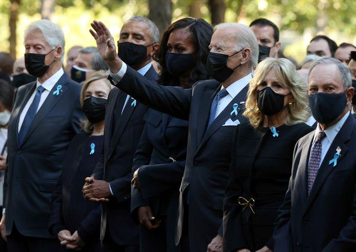 President Biden was met enkele andere oud-presidenten aanwezig bij herdenkingsceremonie aan het National September 11 Memorial and Museum in New York.
