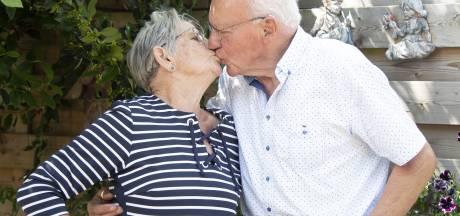 Diamanten echtpaar uit Hellendoorn: 'Onze ogen vonden elkaar gelijk'