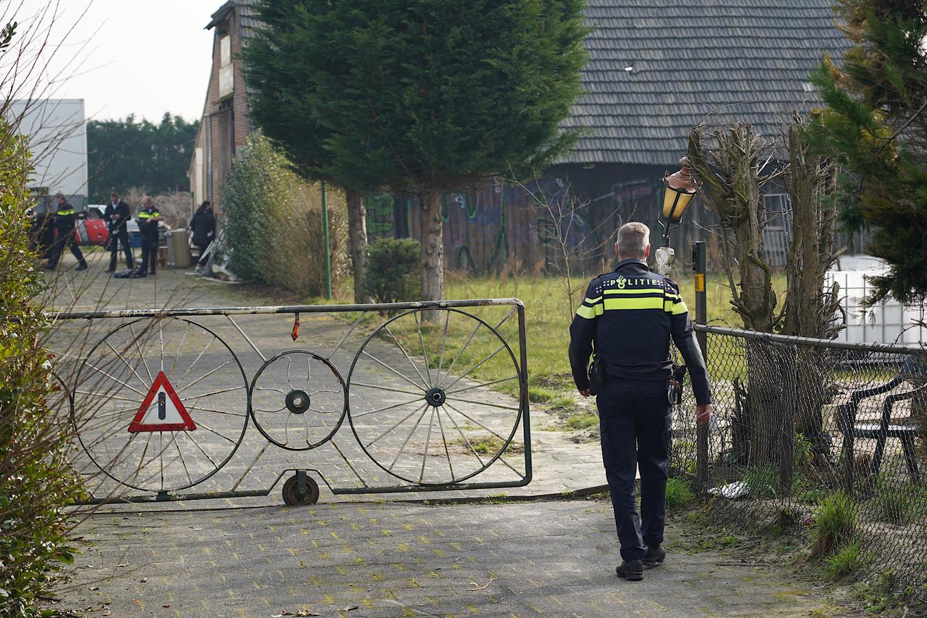 De inval op het terrein vanJan B. in Hulten.