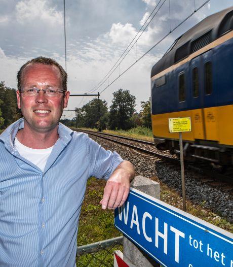 Minder vertraging op IJssellijn tussen Deventer en Olst: dit is de oplossing volgens treinreiziger en Statenlid Robert Jansen