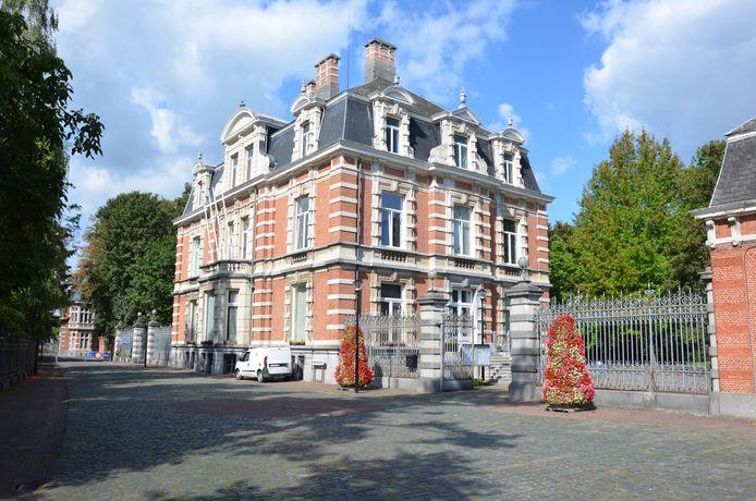Illustratiefoto van het gemeentehuis van Moerbeke
